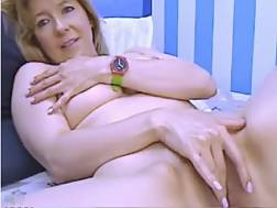2 min - Live chat solo with a shy light haired mamma fingering her vagina