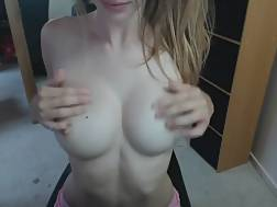 12 min - Lovely college chick playing with herself in front of live chat