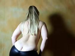 5 min - Lovely wiggly white ass of a hot amateur PAWG chick