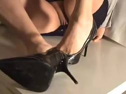 2 min - Homemade solo with me exposing my high heels and flashing my pussy