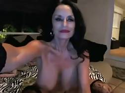 11 min - Crazy black haired MILF oils her body & toys her twat in livechat solo video