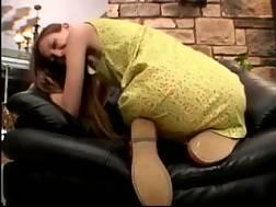 6 min - Amateur webcam hottie demonstrates her nice butt to me