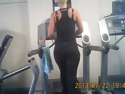 2 min - Amateur hotty on a treadmill gets caught on my hidden cam in a gym