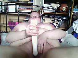 10 min - Bbw white lonely bitch is going wild on live chat in her bed