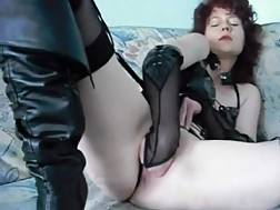 5 min - Kinky chick fisting her pussy