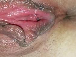 2 min - Wet pink twat begins dripping juice