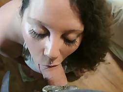 8 min - Superb looking girl takes care of a pecker