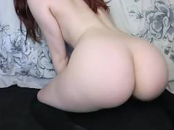 15 min - Red-haired babe tries out her new fucktoy