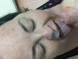 3 min - Wife gags on my dick and takes a huge facial