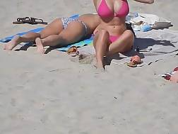 5 min - Those tots look ideal in that pink bikini