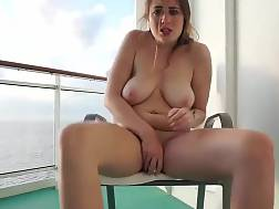 5 min - Solo act With A huge jugs dark haired jerking