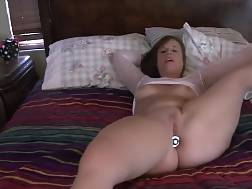 5 min - Plump MILF shakes her huge sexy butt & teases on camera