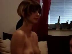 5 min - She loves to sucks that dick