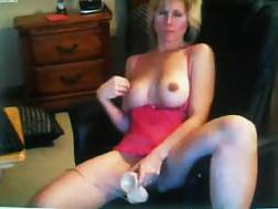 2 min - Toying my bald cunt to orgasm in front of a live cam