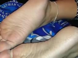 5 min - homemade foot fetish solo