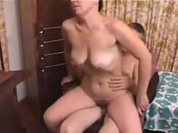 15 min - Nerdy shorthaired mom suck