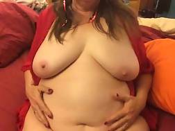 7 min - Bbw white slut in the mask dildoing herself on live cam