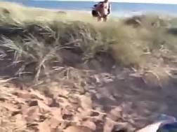 10 min - Wifey fingers pussy beach
