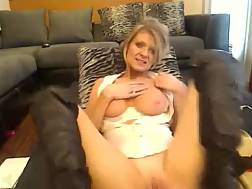 11 min - Blondie playful mamma pleases