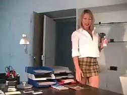 10 min - Blondie secretary horny dicksucker