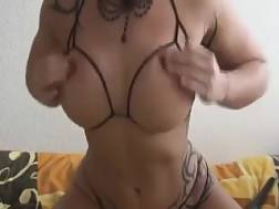 10 min - Darkhaired tattooed livecam girlie