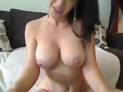 10 min - Boobed experienced livecam mother