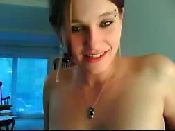 19 min - Busty and hot white MILF wife tries wanking on live chat