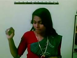 1 min - Indian lady undresses shows