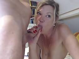 8 min - Mature blonde slut masturbates