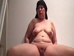 12 min - Fat wife spreads legs