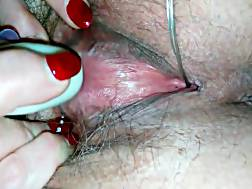 4 min - Mature woman makes hairy