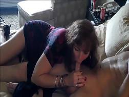 6 min - Skillful brunette bitch guzzling