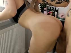11 min - Perfect butt yoga pants