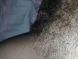 5 min - Older wife enjoys pussy