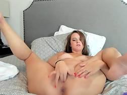 Miluje veľké pohlavné údy a dokáže absorbovať aj ten najväčší.
