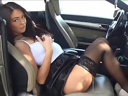 17 min - car play bald vagina