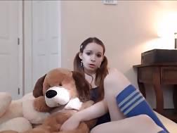 15 min - Amateur honey playing masturbating