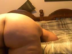 5 min - Old couple undresses begins