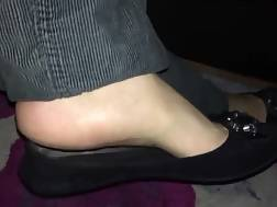 5 min - Wifes feet thing makes