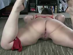 11 min - Curvy slut makes herself