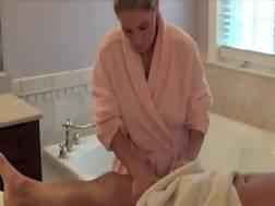 8 min - Incredibly sexy mamma massage