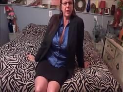 9 min - Dirty talking lady with massive titties strips & masturbates