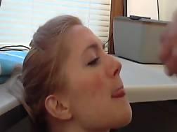 7 min - Pretty amateur chick waits