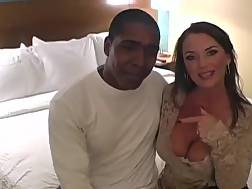 30 min - Professional cuckold wifey penetrates