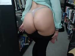 6 min - huge booty chick