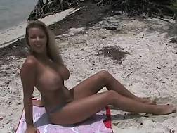 11 min - Amateur babe big boobs