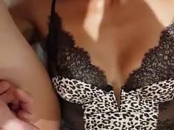 10 min - Oriental mom swallows cumming