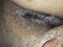 1 min - Oiling unshaved indian pussy