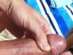 1 min - Facial cum shot beach
